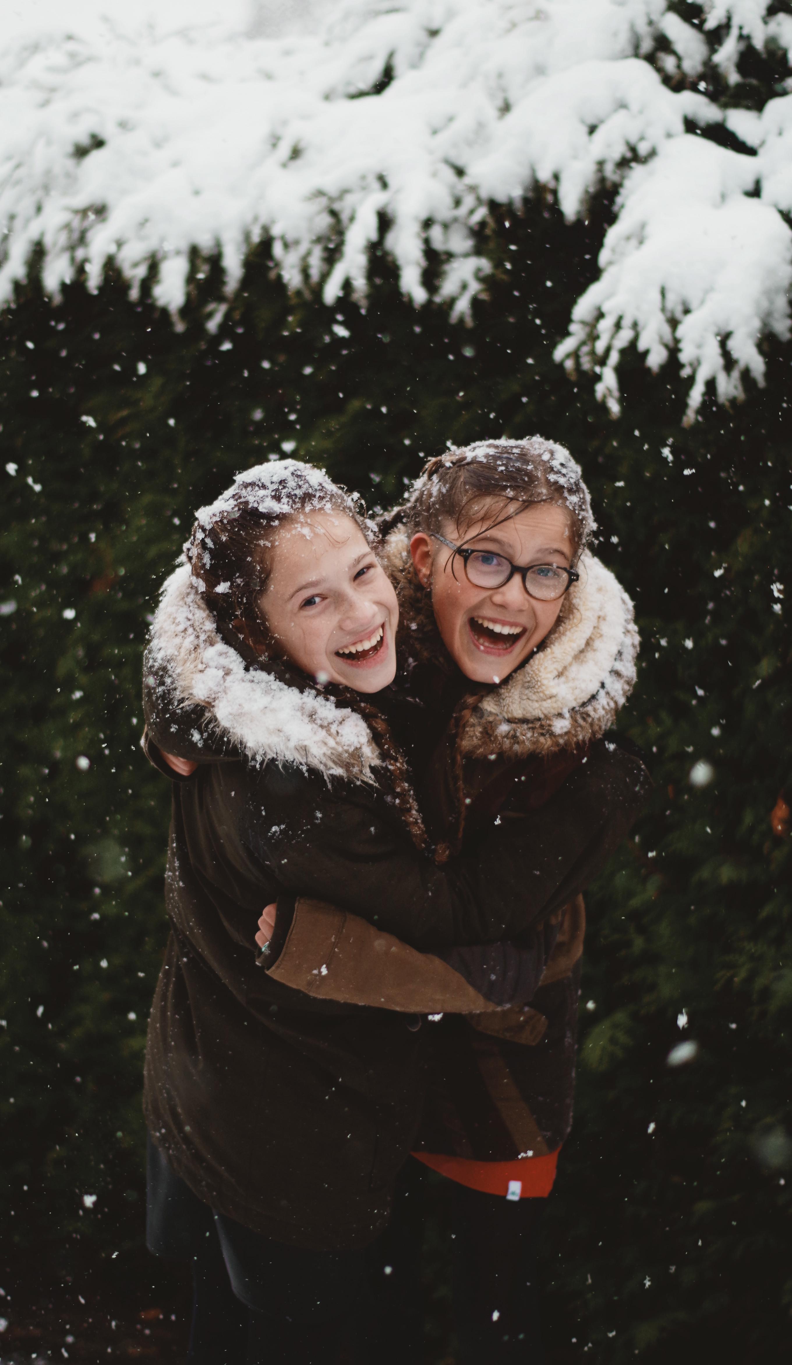 vrolijke zusjes